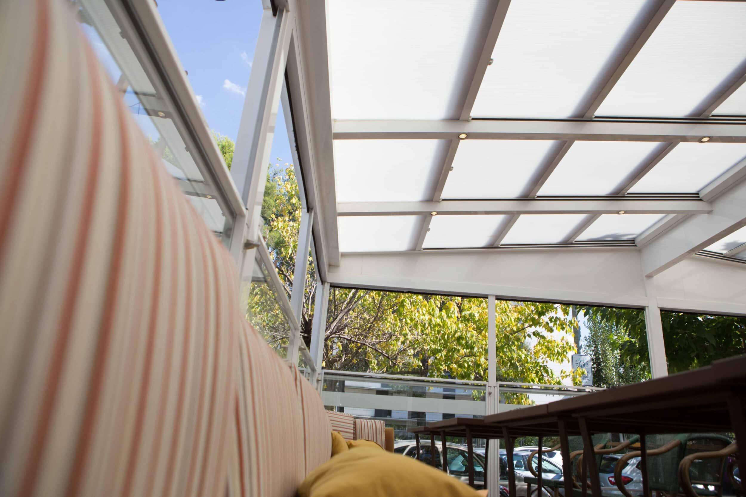 techo movil en terraza restaurante