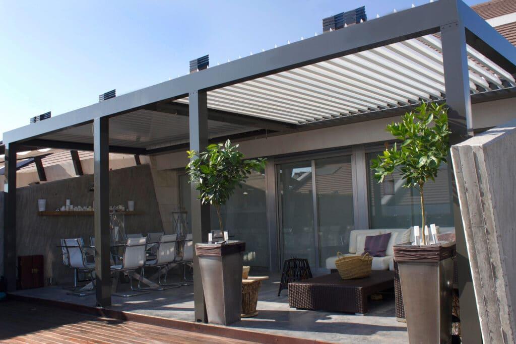 techo bioclimatico para patio