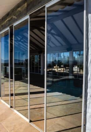 cortina de cristal con aislamiento termico