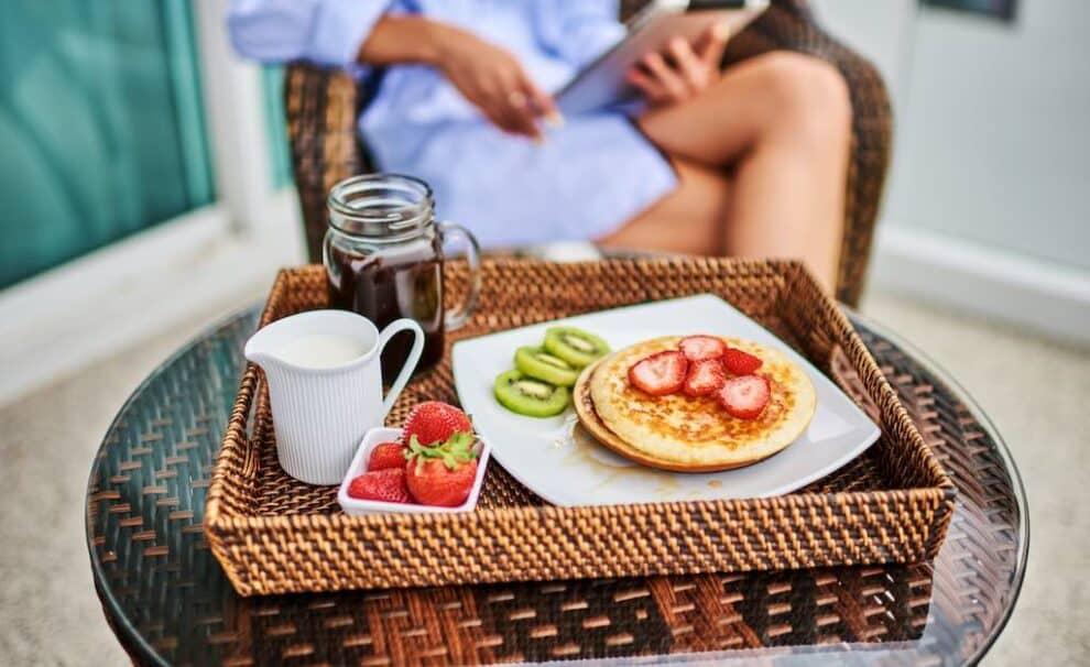 desayuno saludable terraza