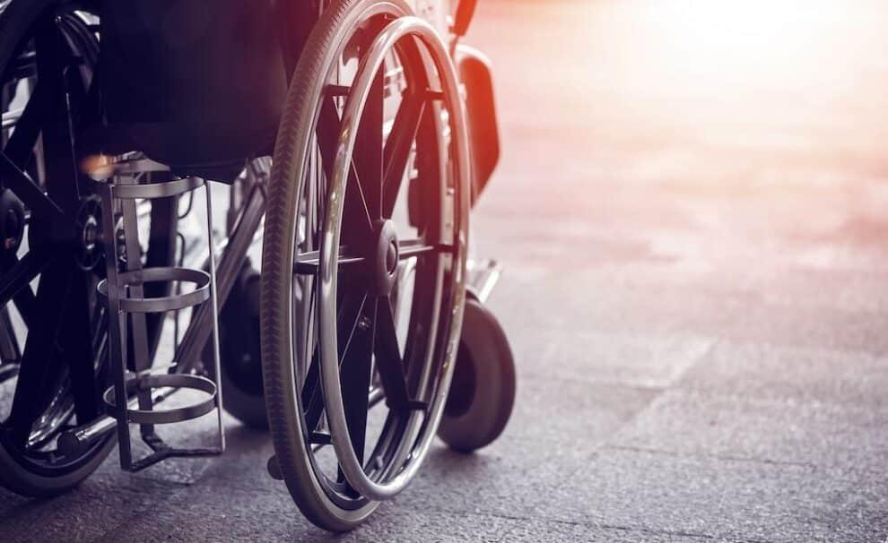 paredes cristal silla ruedas