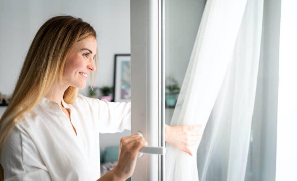 ventilar hogar ventana abierta